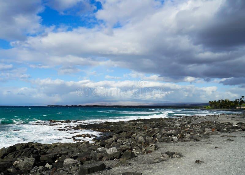 Zwart Zandstrand op het Grote Eiland, Hawaï stock foto's