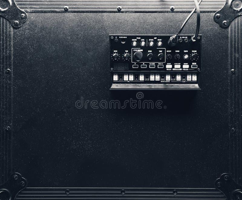 Zwarte analoge synthesizer royalty-vrije stock foto