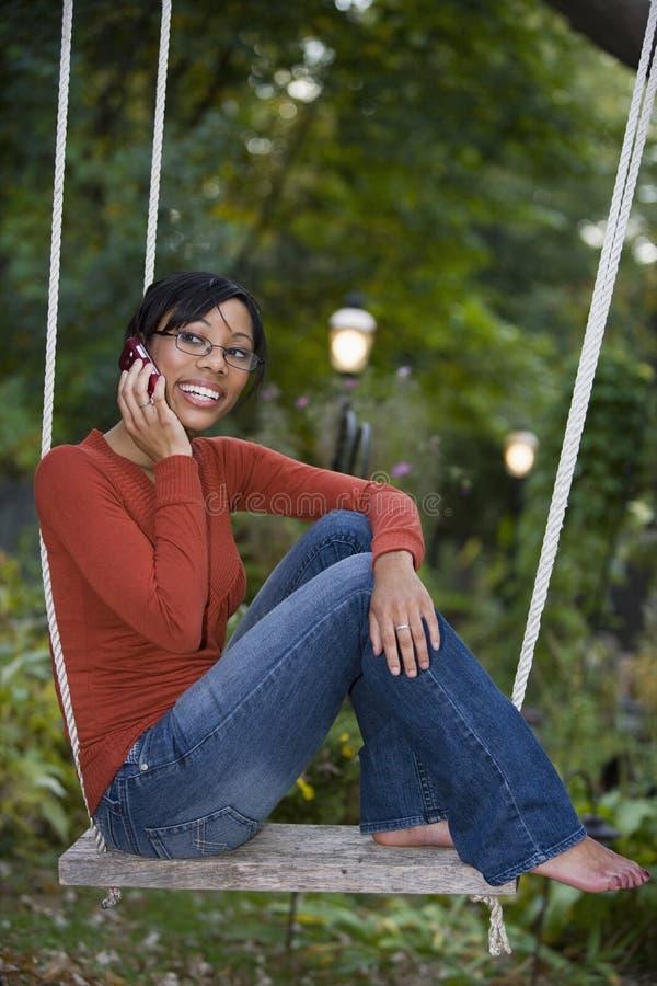 Zwarte buiten op celtelefoon royalty-vrije stock foto's