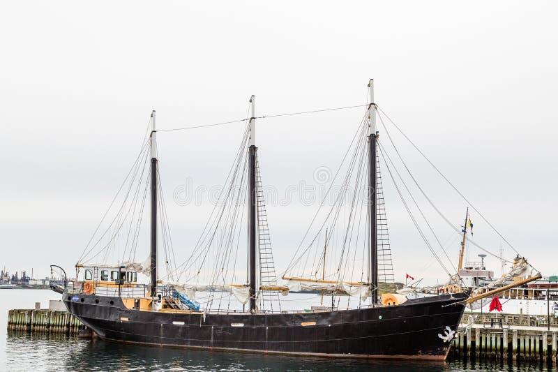 Zwarte Drie Masted Schoener in Halifax stock afbeeldingen