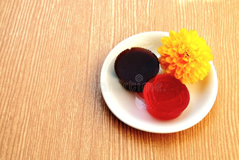 Zwarte en rode gelei royalty-vrije stock afbeelding