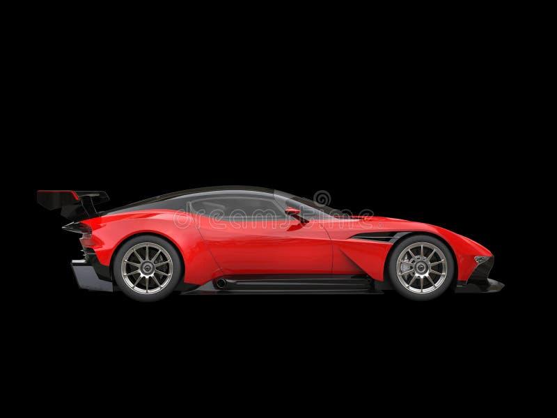 Zwarte en rode ontzagwekkende moderne raceauto - zijaanzicht stock foto