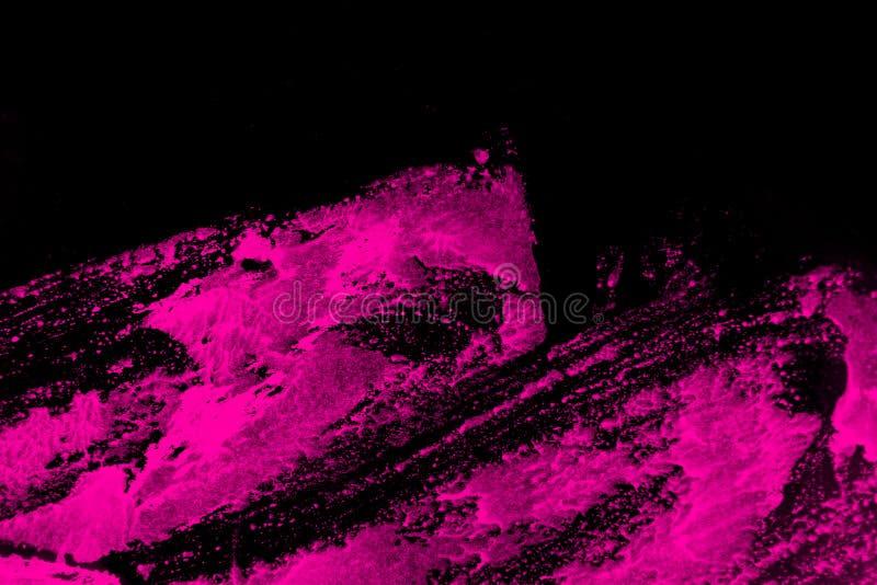 Zwarte en roze hand geschilderde textuur als achtergrond met grungekwaststreken royalty-vrije illustratie