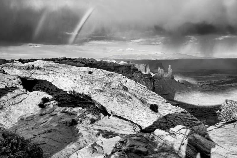 Zwarte en witte foto van Mountain royalty-vrije stock afbeelding