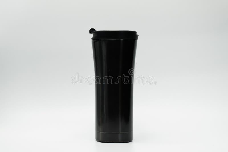 Zwarte geïsoleerde thermosflessenfles stock afbeelding