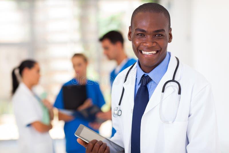 Zwarte gezondheidszorgarbeider stock afbeeldingen