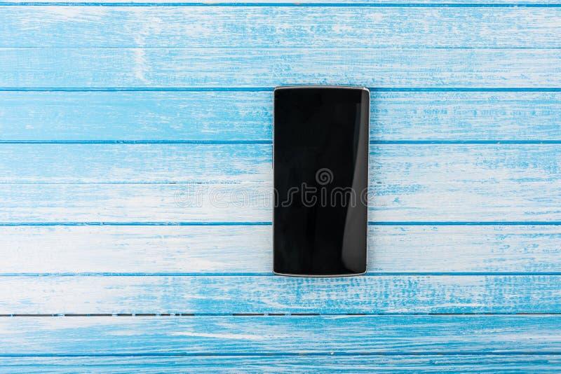 Zwarte Grote het Scherm Slimme Telefoon met Bezinning over Hoog Contrast B stock afbeeldingen