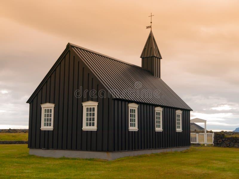 Zwarte houten kerk stock foto's
