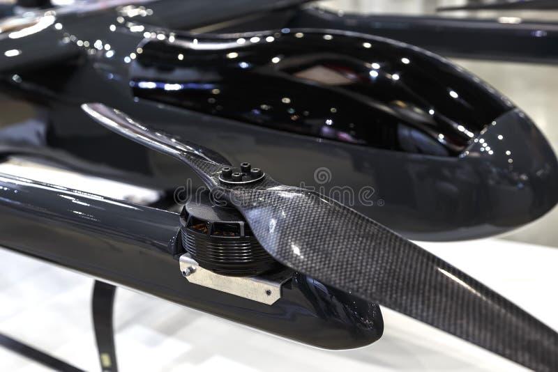 Zwarte industriële hommel met propeller dichte omhooggaand royalty-vrije stock foto