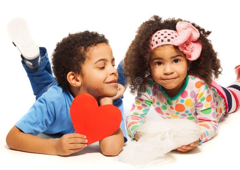 Kleine mensen en liefde royalty-vrije stock afbeelding