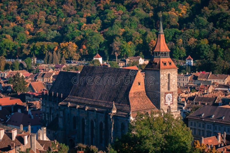 Zwarte Kerk met de herfstachtergrond stock afbeelding