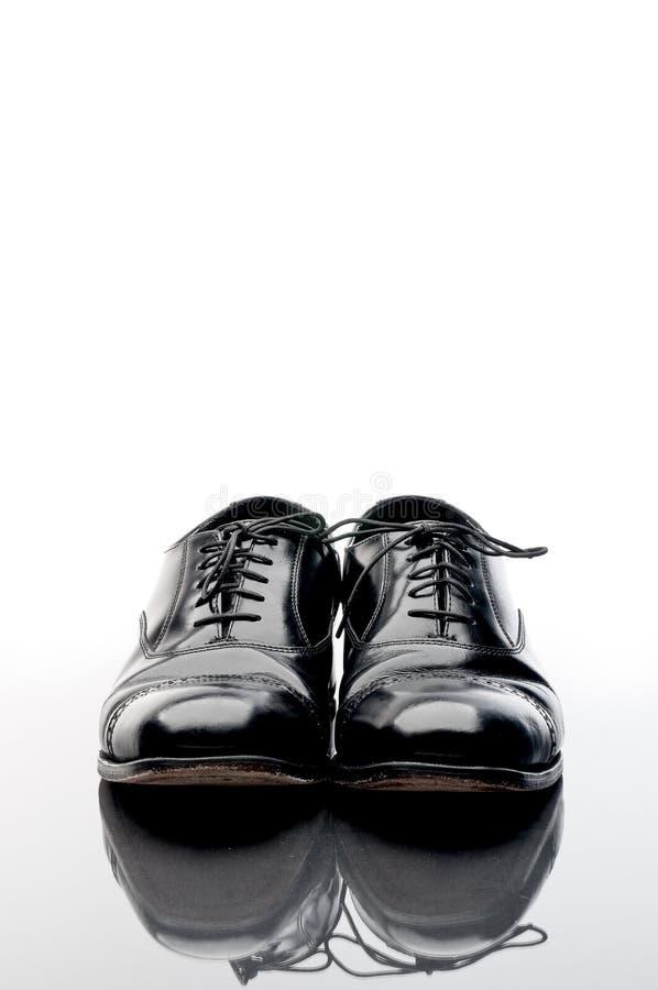 Zwarte leer bedrijfsschoenen stock foto
