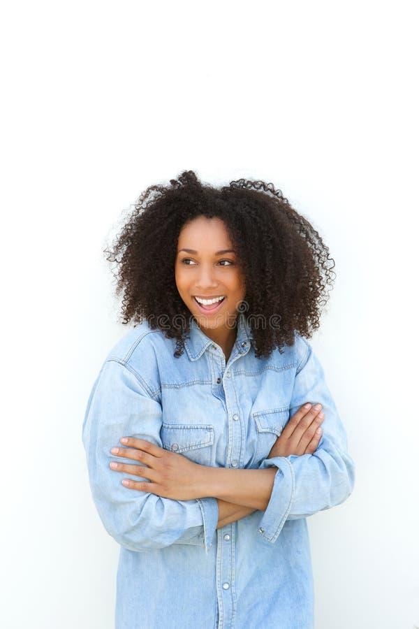 Zwarte met het krullende haar glimlachen stock afbeelding