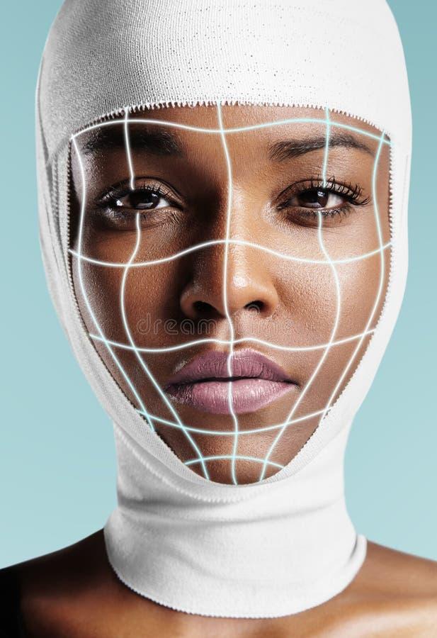 Zwarte met verbonden hoofd en gloeiende chirurgielijnen royalty-vrije stock fotografie