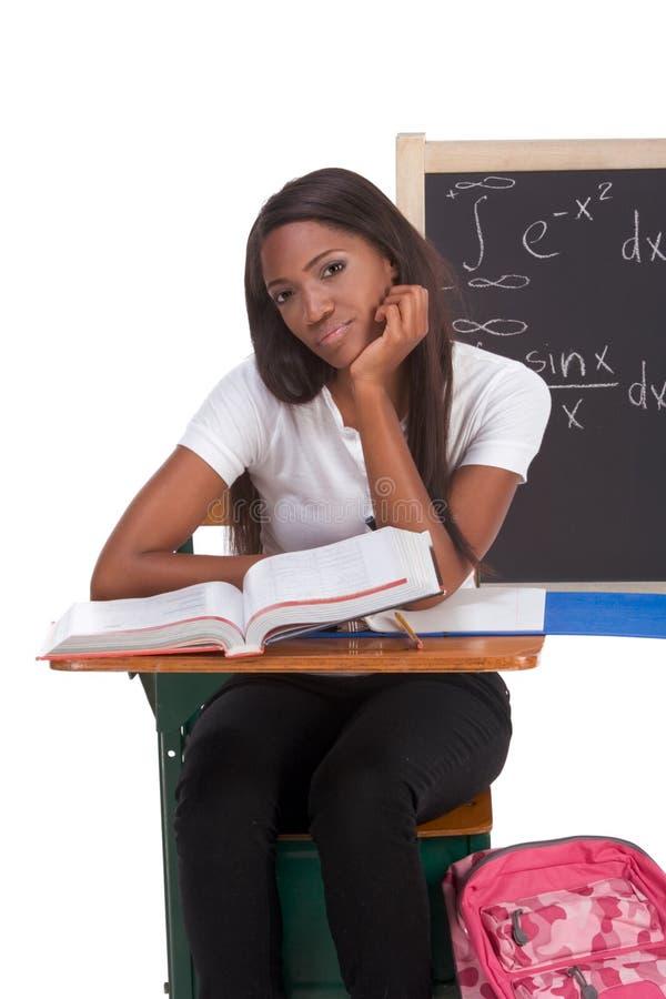 Zwarte studentvrouw die math examen bestudeert royalty-vrije stock foto's