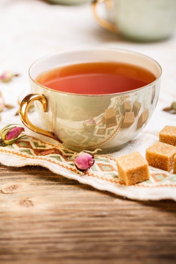 Download Zwarte thee stock afbeelding. Afbeelding bestaande uit suiker - 29506937