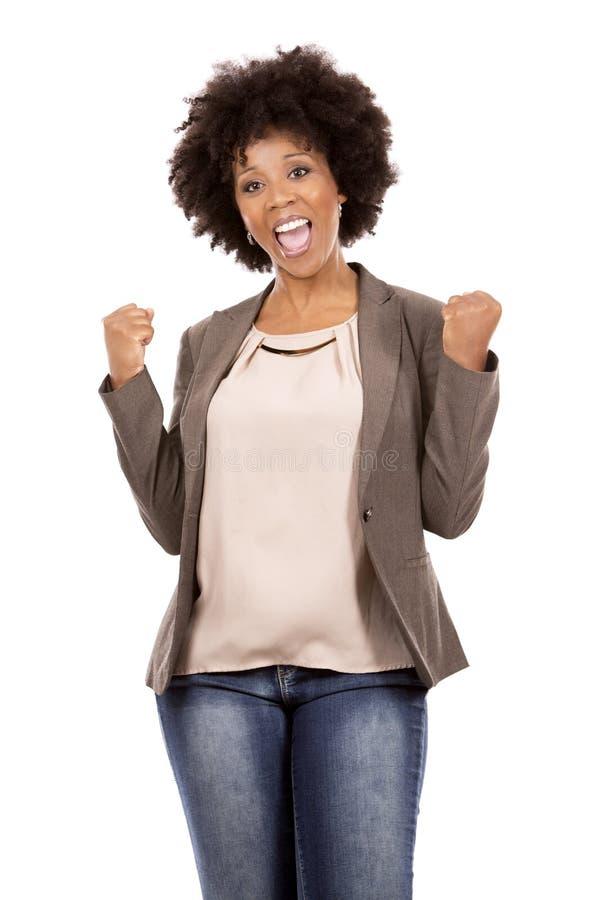 Zwarte toevallige vrouw op witte achtergrond royalty-vrije stock fotografie
