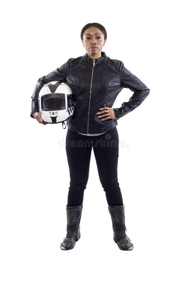 Zwarte Vrouwelijke Raceauto of Fietser of Stuntvrouw die een Helm houden royalty-vrije stock fotografie