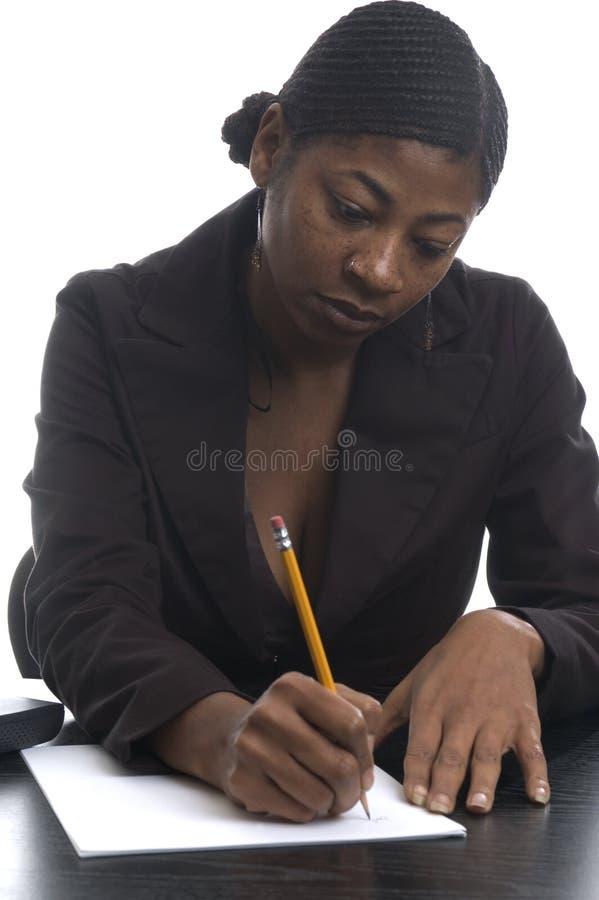 Zwarte vrouwelijke stafmedewerker royalty-vrije stock fotografie