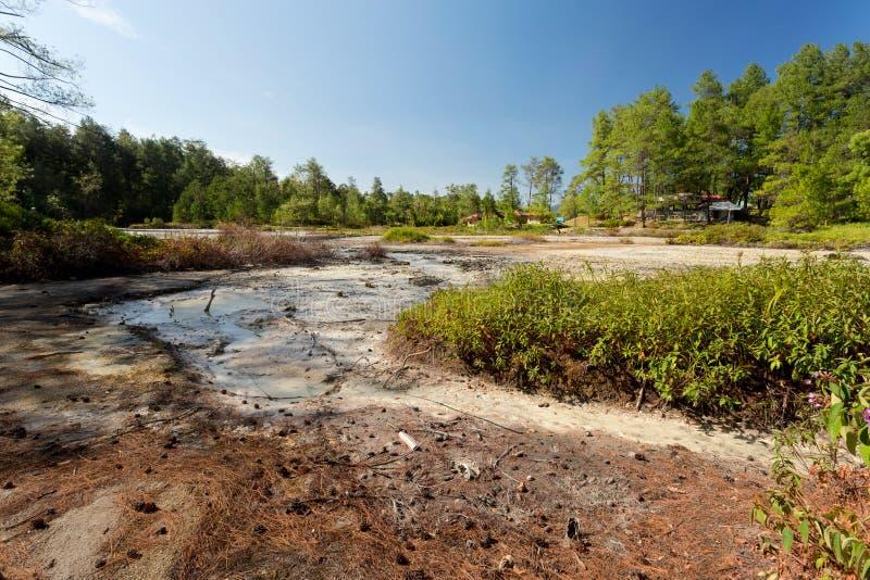 Zwavelachtige meren dichtbij Manado, Indonesië royalty-vrije stock afbeeldingen