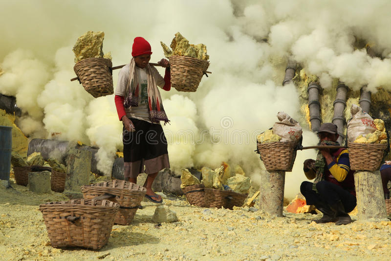 Zwavelmijnen Kawah Ijen in Oost-Java, Indonesië royalty-vrije stock afbeeldingen