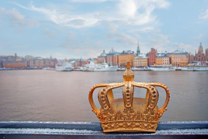 Zweedse koninkrijks gouden kroon stock foto's