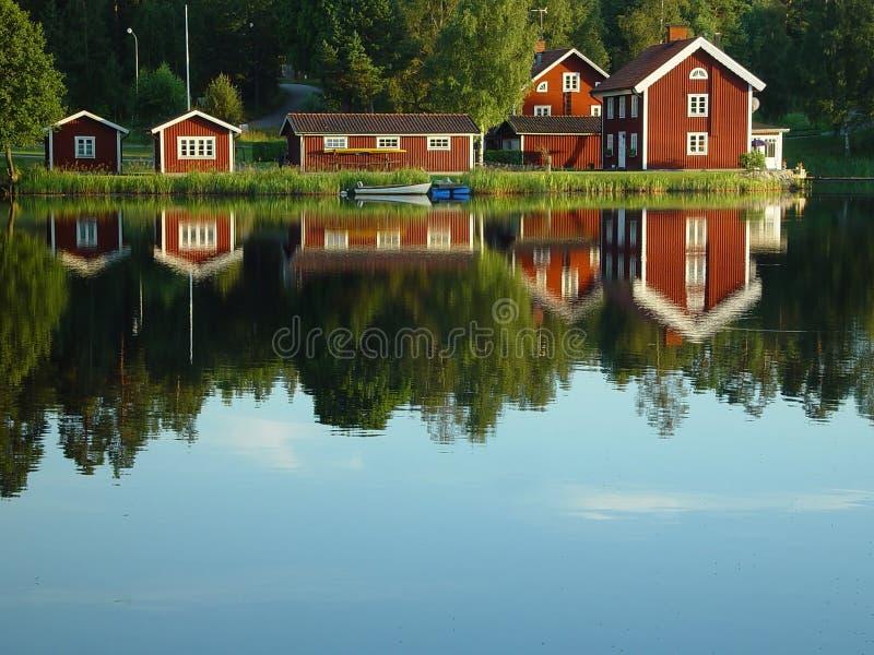 Zweedse oever van het meer stock foto