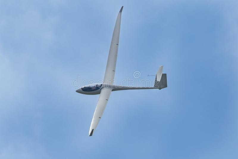 Zweefvliegtuigvliegtuig het vliegen royalty-vrije stock afbeeldingen