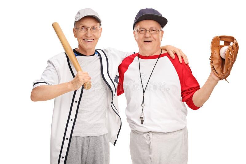 Zwei ältere Männer in der Baseballsportkleidung lizenzfreie stockfotos