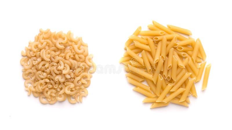 Zwei Art des Glutens gibt Teigwaren auf Weiß lokalisiertem Hintergrund frei lizenzfreie stockbilder