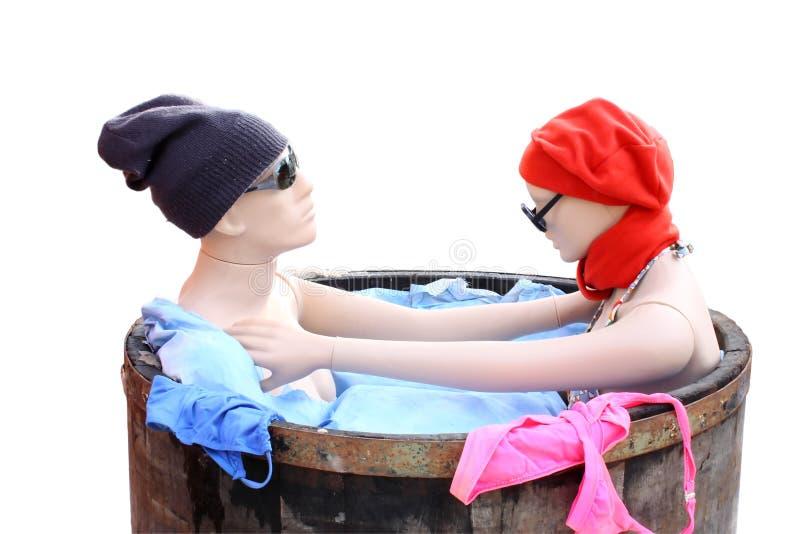 Zwei Riesige Titten Nehmen Ein Bad