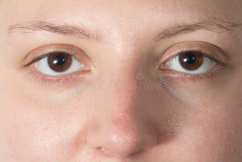 Zwei Augen schließen oben stockfotos