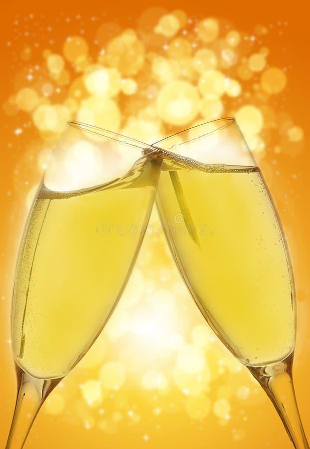 Zwei elegante Champagnergläser stockbilder