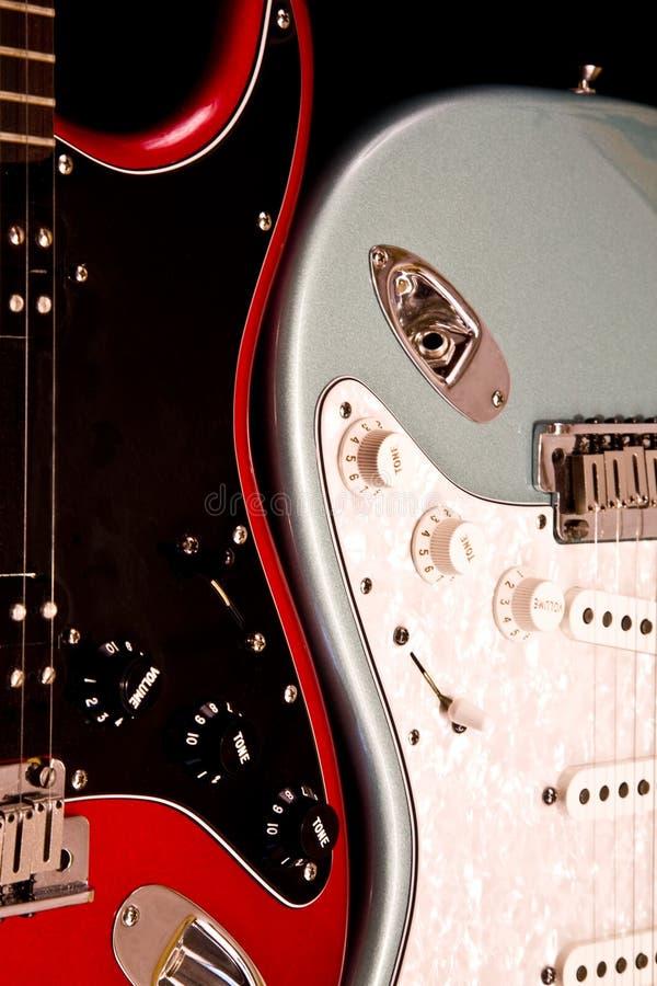 Zwei elektrische Gitarren stockbild
