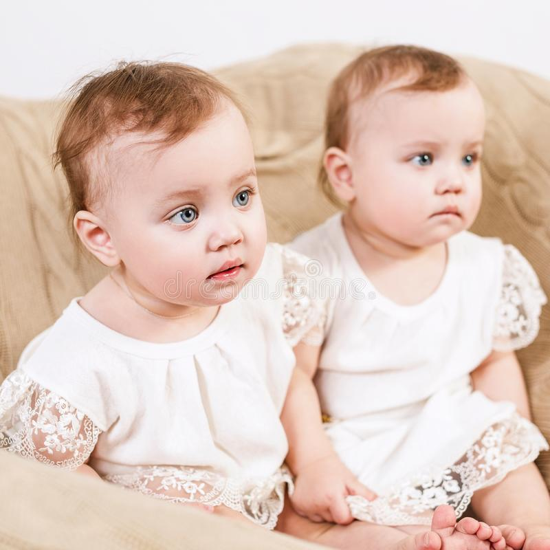 74 Babyzwillinge Fotos - Kostenlose und Royalty-Free Stock ...