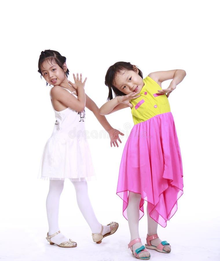 Zwei entzückende kleine Mädchen lizenzfreies stockfoto