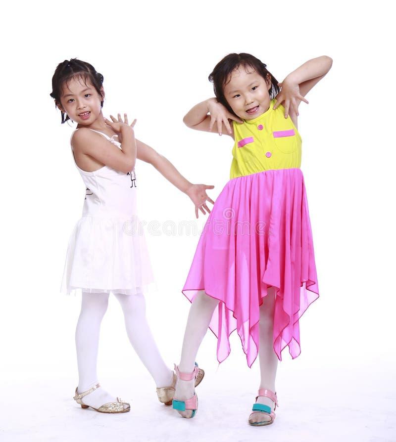 Zwei entzückende kleine Mädchen stockfoto