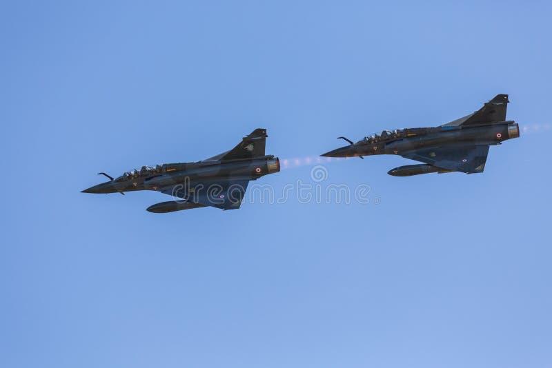Zwei französische Patrouille des Trugbilds 2000 lizenzfreie stockbilder
