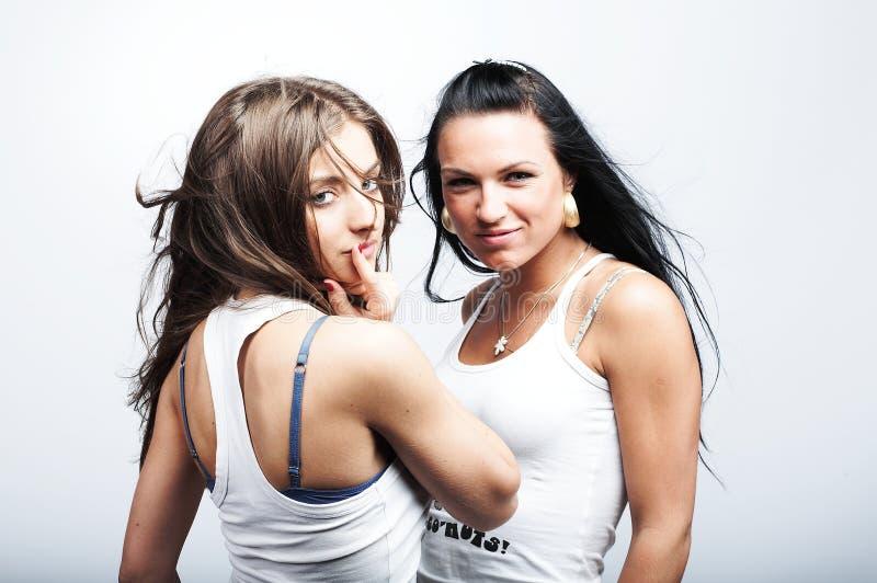 Zwei Freundinnen stockbilder