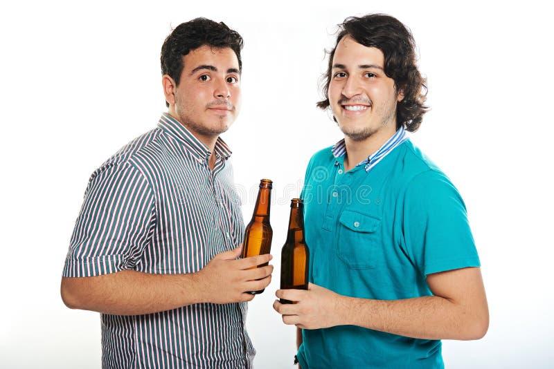 Zwei Gecken mit Bieren stockfoto