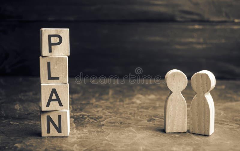 Zwei Geschäftsmänner besprechen den Plan von Ausgaben und von Finanzen Kapitalanlagen und Ziel, die einen Plan in die Tat umsetze stockbild