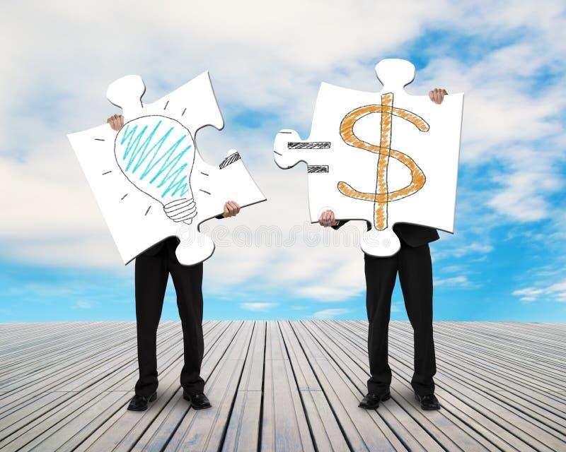 Zwei Geschäftsmänner, die Puzzlespiele für Idee zusammenbauen, ist Geldgekritzel vektor abbildung