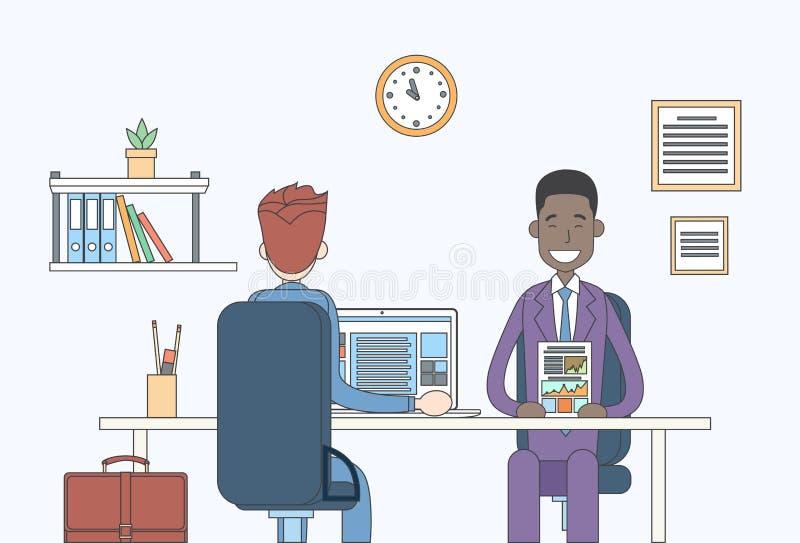 Zwei Geschäftsmann-Berichts-Dokumenten-Unterhaltungsdiskussion, Geschäftsmänner, die Schreibtisch-Sitzungs-Kommunikation sitzen vektor abbildung
