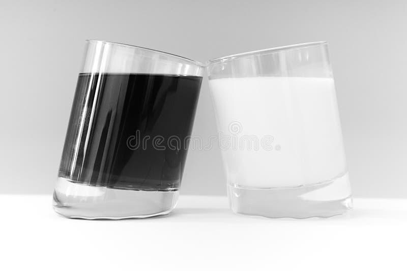 Zwei Gläser lizenzfreie stockfotos