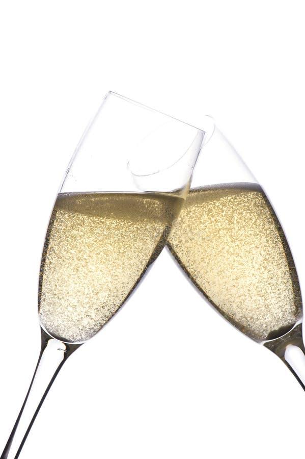 Zwei Gläser Champagner auf Weiß stockfoto