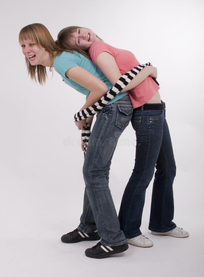 Zwei glückliche jugendlich Mädchen stockfoto