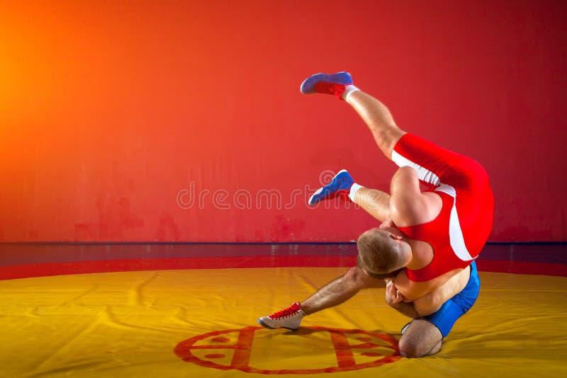 Zwei griechisch-romanische Ringkämpfer stockfotografie