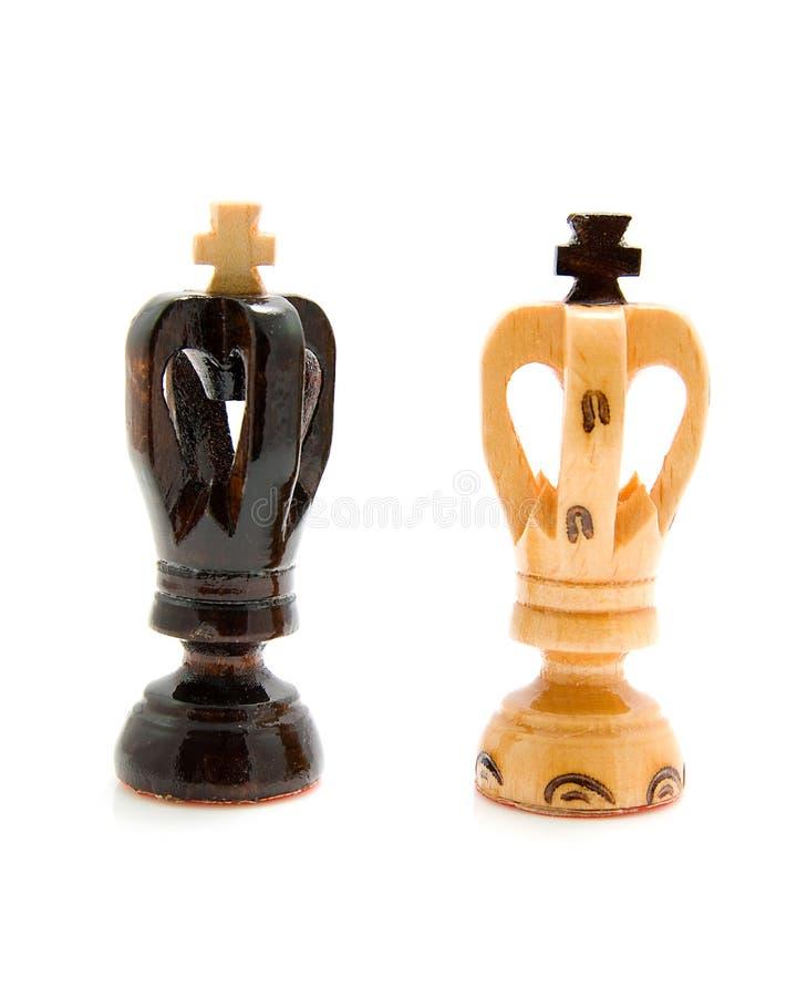 Zwei hölzerne Königschachpfandgegenstände lizenzfreies stockfoto