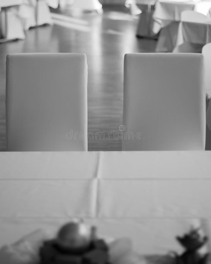 Zwei Heiratsstühle lizenzfreies stockbild