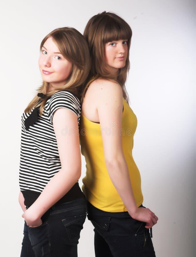 Zwei Jugendlichen zusammen lizenzfreie stockfotos